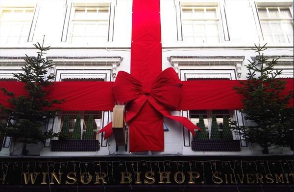 Christmas - Winsor Bishop Building Wrap