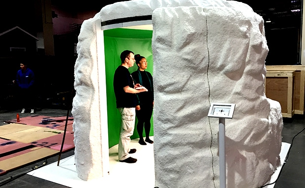 snow cave - greenscreen video booth